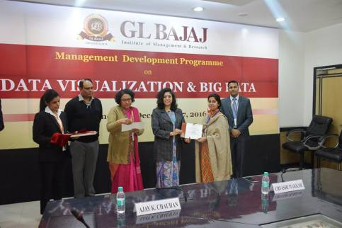 management-devemdp-on-data-visualization-big-data-30