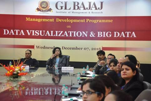 management-devemdp-on-data-visualization-big-data-31