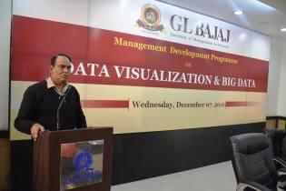 management-devemdp-on-data-visualization-big-data-4