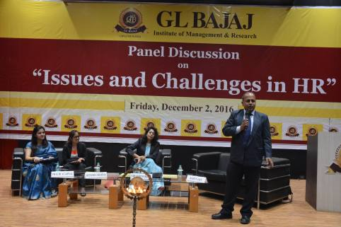 panel-discussion-on-issues-and-challenges-in-hr-33