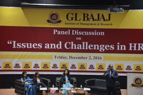 panel-discussion-on-issues-and-challenges-in-hr-40