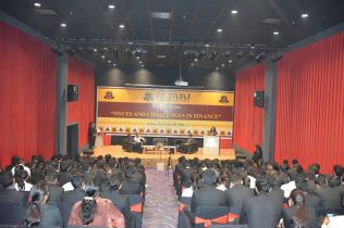 panel-discussion-on-issues-scope-challenges-in-finance-8