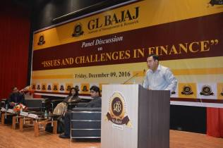 panel-discussion-on-issues-scope-challenges-in-finance-9